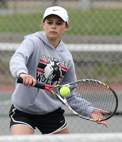 Payton Aparicio, seen here in an earlier match, teamed with Sage Renninger to roll to a win at first doubles Monday. (John Fisken photo)
