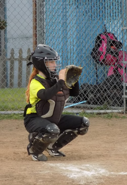 Yellow Jackets catcher Maddy Georges frames the pitch. (Paula Peters photos)