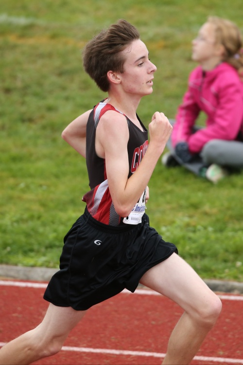 Danny Conlisk motors for home at his first high school cross country race. (John Fisken photos)