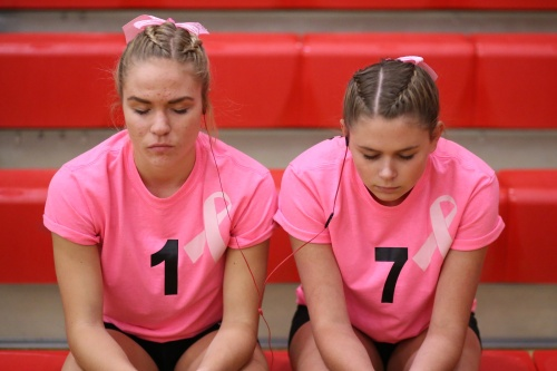 Wolf spikers Hope Lodell (left) and Payton Aparicio get ready to kick some fanny. (John Fisken photo)