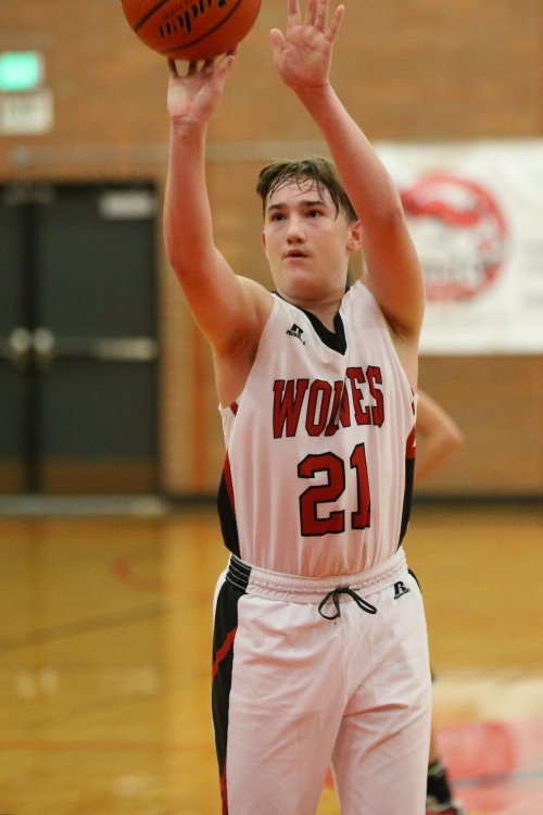 Ethan Spark dropped seven in his first game of the season. (John Fisken photos)